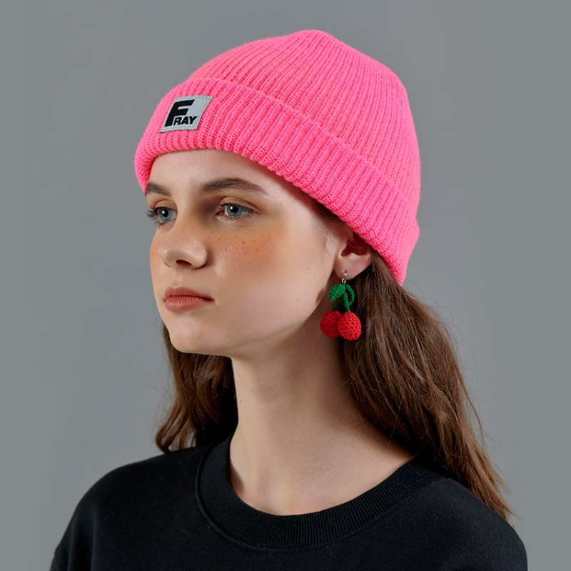 FRAY LOGO BEANIE - HOT PINK